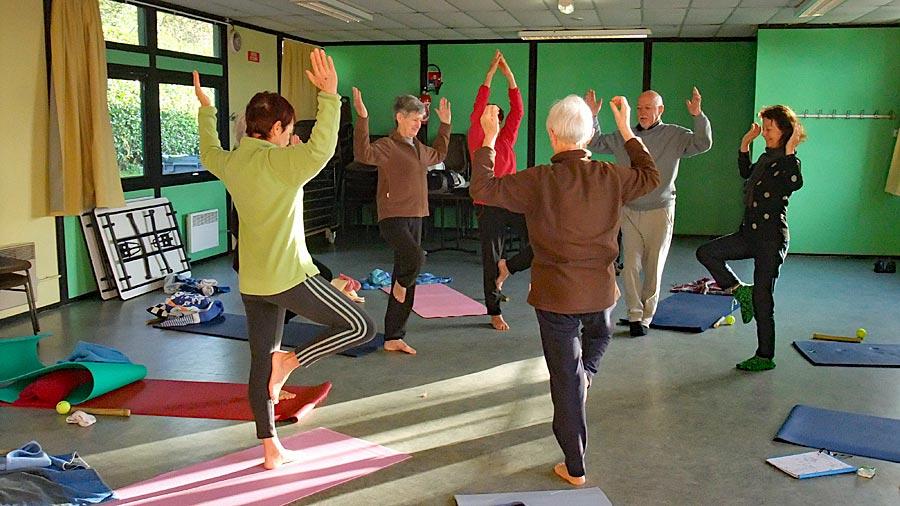 Cours de zéni-yoga avec Corinne Brieulle-Collas de l'association Souffle et Mouvement à Meucon.